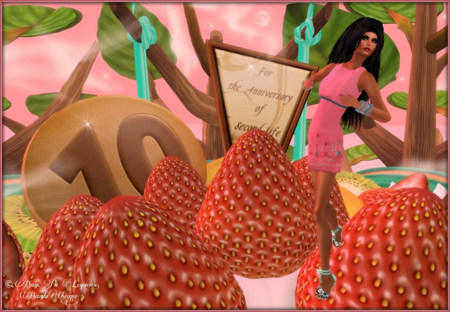 SL10B Birthday Cake  ~ Yum Strawberries!